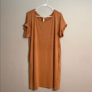 Short sleeve tee shirt dress